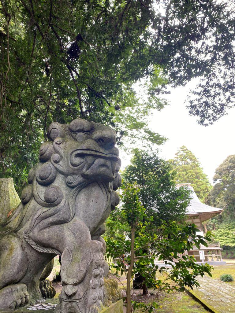 高田神社 境内