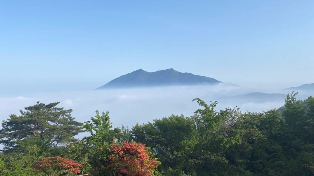 宝篋山山頂から見た筑波山