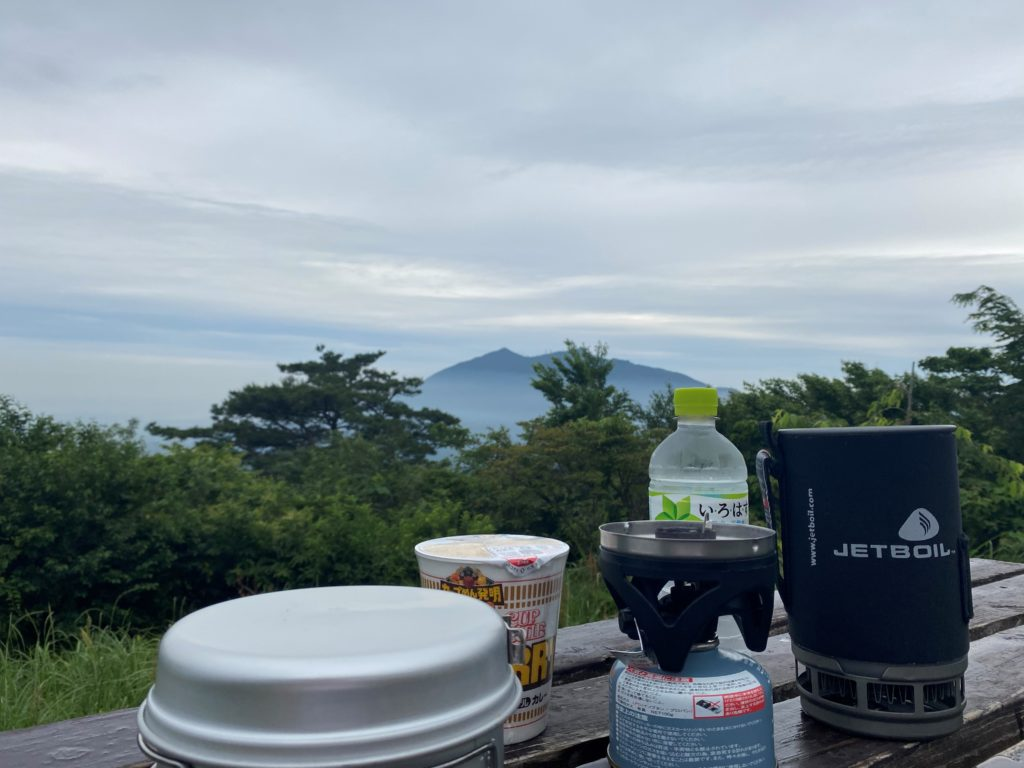 JETBOIL いろはす 宝篋山山頂